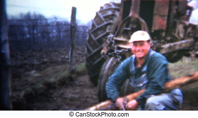 (8mm Vintage) 1952 Iowa Farmer - Original vintage 8mm home...