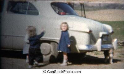(8mm Vintage) 1952 Kids Playing