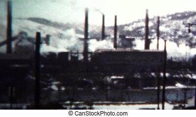 (8mm Vintage) 1956 Factory