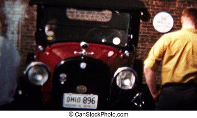 (8mm Vintage) 1958 Car Show Old - Original vintage 8mm home...