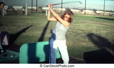 (8mm Vintage) 1971 Women At Golf