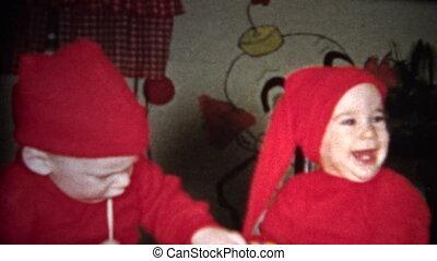 (8mm Vintage) Dressing Up Kids