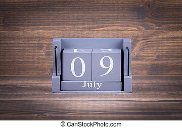 9 July Wooden, square calendar