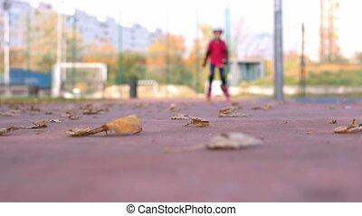 9 year old girl roller skating on inline skates