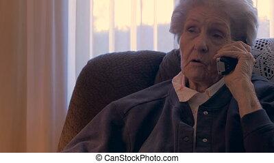 90s, femme, vieux, elle, téléphone, continue, haut, pend, conversation