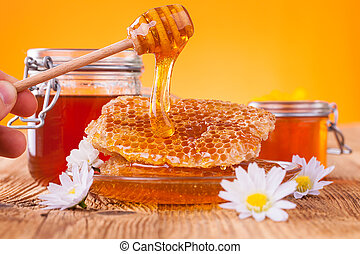 9e51ec19-9cd8-4410-94b8-e76eb45e1fc4 - Still life of honey...