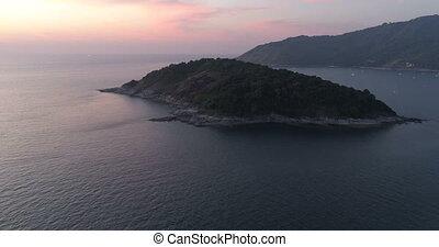 aérien, île, vidéo, pendant, petit, coucher soleil