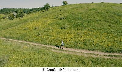 aérien, joggeur, footage., courant, field., bourdon