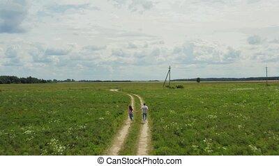 aérien, road., devant, rural, couple, prise vue., espiègle, ...