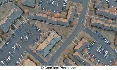 aérien, ville, appartments, sommet, voler plus, petit, voisinage, bas, vue, projection