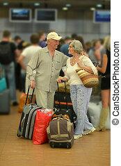aéroport, couple, personne agee