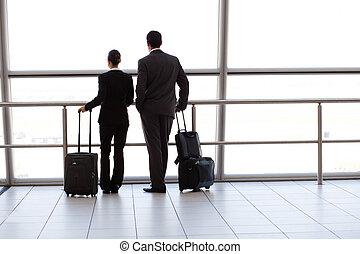 aéroport, silhouette, deux, businesspeople