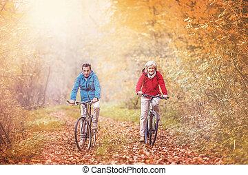 aînés actifs, vélo, ridding