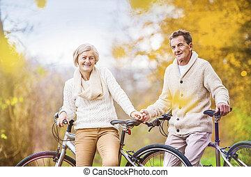 aînés actifs, vélos, équitation