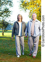 aînés, couple, personnes agées