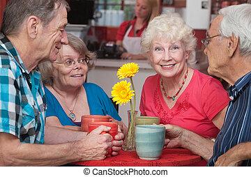 aînés, heureux, restaurant