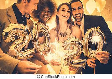 año, nuevo, 2020, hombres, mujeres, celebrar