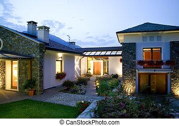a, énorme, nouveau, maison luxe, à, coucher soleil