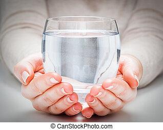 a, ガラス, の, きれいにしなさい, 天然水, 中に, 女性, hands., 環境, 保護, 健康, drink.