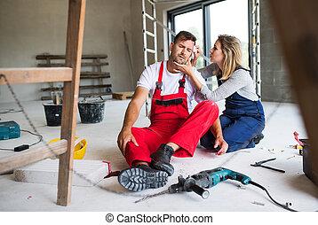 a, 女, 助力, 人, 労働者, 後で, ∥, 事故, ∥において∥, ∥, 建設, サイト。