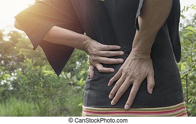 a, 女, 苦しみ, から, 腰痛, 背骨の傷害, そして, 筋肉, 問題, 問題, ∥において∥, outdoor.
