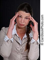 a, 從事工商業的女性, 由于, a, headache.