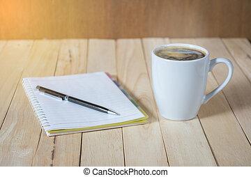 a, 杯咖啡, 上, the, 桌子。