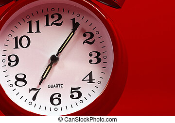 a, 赤, 型, 目覚し 時計, 上に, a, 赤い背景