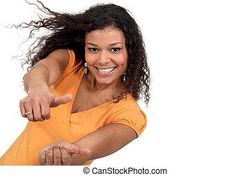 a, 黑人婦女, 由于, 兩個都, 拇指, 向上。