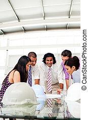a, 그룹, 의, 건축가, 와..., 그들, 매니저, 토론, 청사진, 에서, a, 특수한 모임