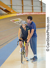 a, 1 bicikli, képzés
