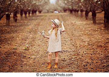 a, beau, jeune fille, à, fleurs, bouquet, amande