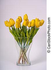 a, blumengebinde, von, gelber , tulpen, stehende , in, a, blumenvase