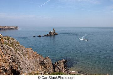 Skrinkle Haven in Pembrokeshire