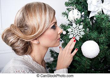 a, bonito, menina, perto, um, ano novo, árvore