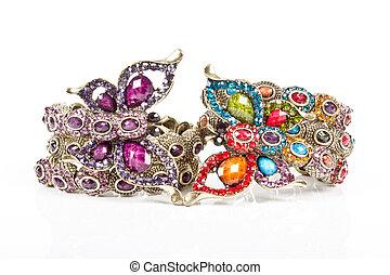 bracelet - A bracelet is an article of jewelry that is worn...