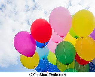a, bunte, fliegendes, balloon, in, blauer himmel