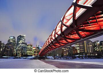 Calgary pedestrian bridge - A Calgary pedestrian bridge ...