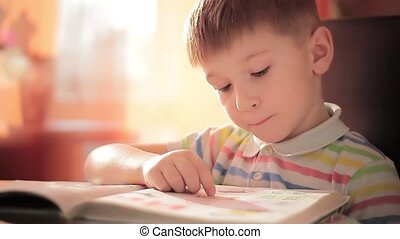 A child learns to read 7