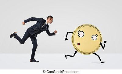 a, course homme affaires, après, a, doré, monnaie, à, bras jambes, blanc, arrière-plan.