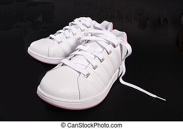 a, et par skor