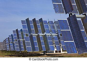 a, feld, von, grün, energie, photovoltaisch, sonnenkollektoren, ausschüsse