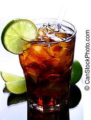 a fresh ice tea with ice