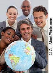a, geschaeftswelt, gruppe, ausstellung, ethnische verschiedenartigkeit, besitz, a, terretrial, gobe, in, büro