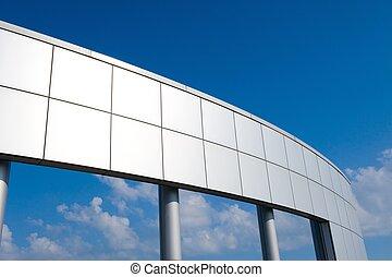 a, groß, stück metall, architektur, auf, a, blauer himmel