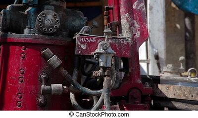 A hydraulic key - Oilfield Industry