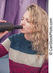 a, junges mädchen, trinken, alkohol