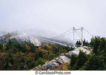 a, milha, alto, balançando, ponte, em, nevoeiro, em, avô,...