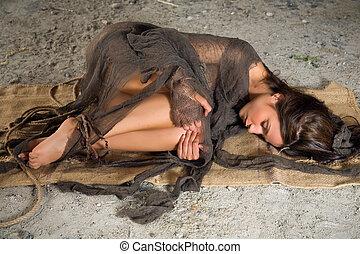 a padlóra, lehangolt