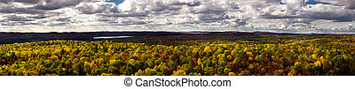 A panoramic photo of Algonquin Provincial Park from the Lookout Trail